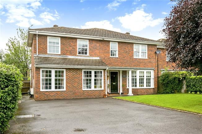 Offers in excess of £865,000, 4 Bedroom Detached House For Sale in Great Missenden, Buckingh, HP16