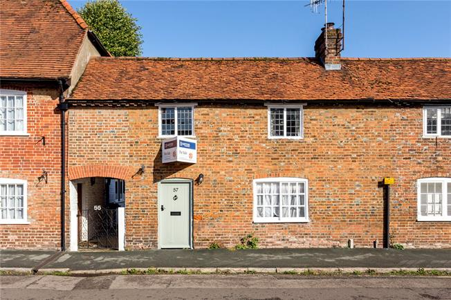 Offers in excess of £350,000, 2 Bedroom Semi Detached House For Sale in Great Missenden, HP16