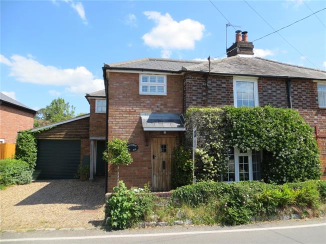 Guide Price £675,000, 3 Bedroom Semi Detached House For Sale in Great Missenden, Buckingh, HP16