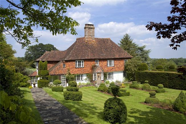 Asking Price £2,450,000, 7 Bedroom Detached House For Sale in Etchingham, East Sussex, TN19