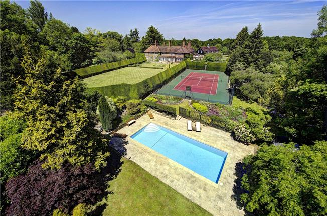 Guide Price £4,300,000, 8 Bedroom Detached House For Sale in Denham, UB9