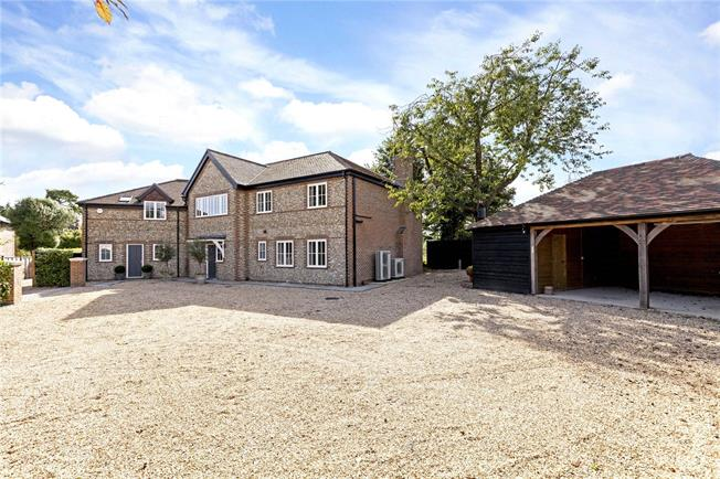 Guide Price £1,595,000, 5 Bedroom Detached House For Sale in Funtington, PO18