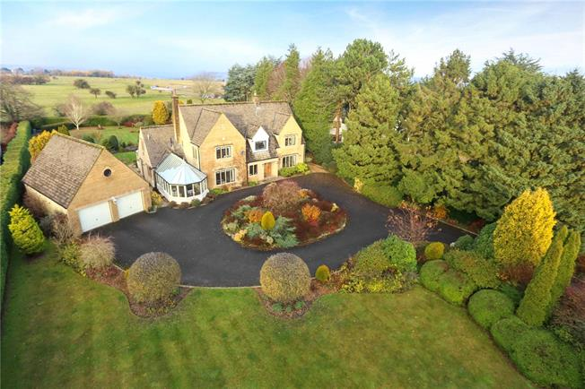 Asking Price £1,250,000, 4 Bedroom Detached House For Sale in Rodborough Common, GL5