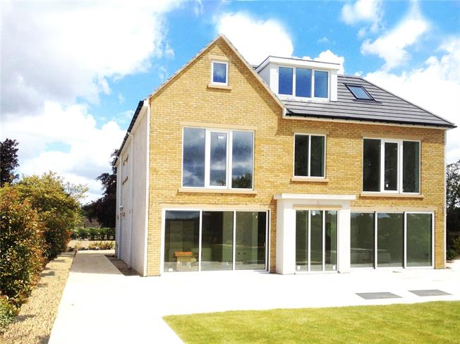 Guide Price £2,200,000, 6 Bedroom Detached House For Sale in Oxford, OX2