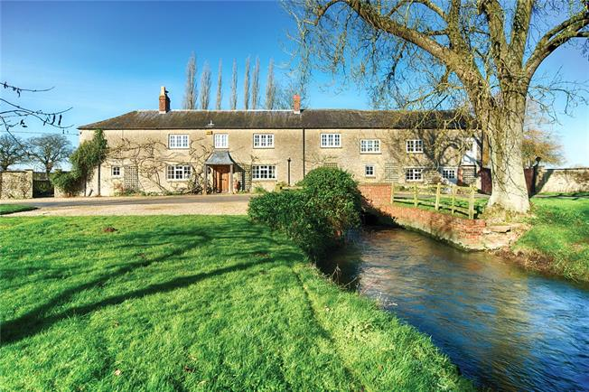 Guide Price £1,150,000, 5 Bedroom Detached House For Sale in Stratton Audley, OX27