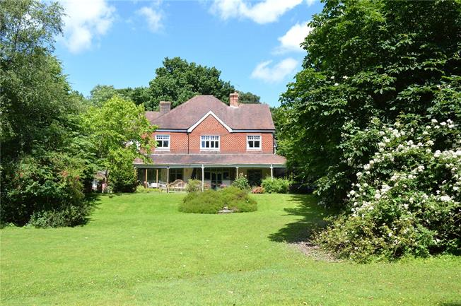 Asking Price £1,800,000, 8 Bedroom Detached House For Sale in Stonegate, TN5