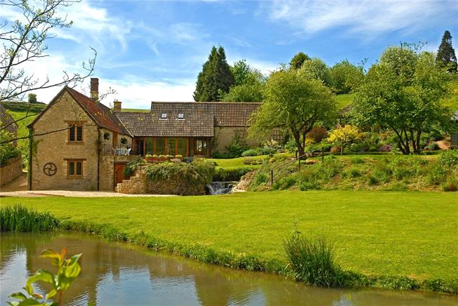 Guide Price £1,000,000, 4 Bedroom Detached House For Sale in Wiltshire, SN14