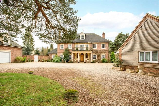 Guide Price £2,895,000, 6 Bedroom Detached House For Sale in Frilford Heath, OX13