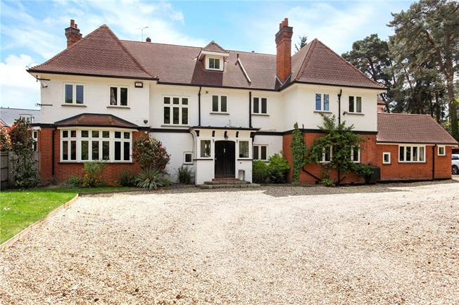 Guide Price £2,700,000, 7 Bedroom Detached House For Sale in Ascot, SL5