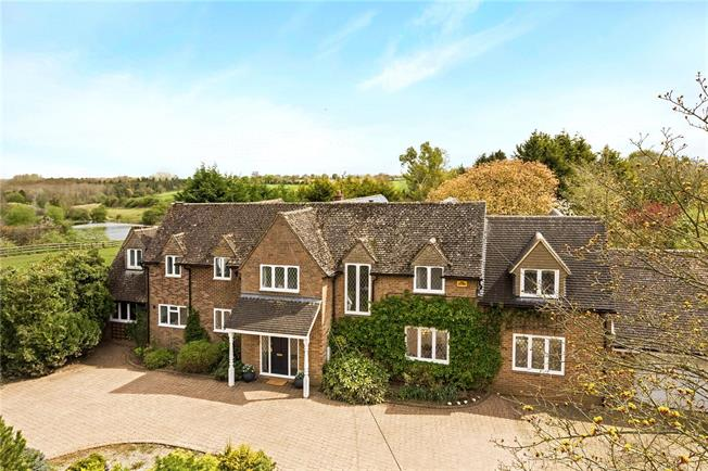 Guide Price £1,200,000, 5 Bedroom Detached House For Sale in Brackley, Northamptonshir, NN13