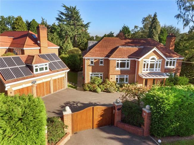 Guide Price £1,999,950, 6 Bedroom Detached House For Sale in Ascot, SL5