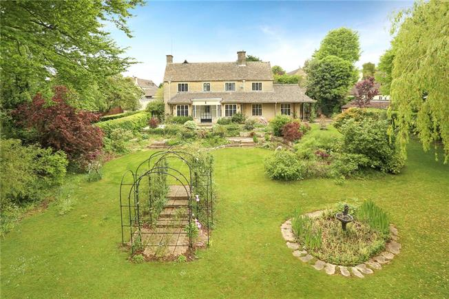 Guide Price £1,150,000, 4 Bedroom Detached House For Sale in Painswick, GL6
