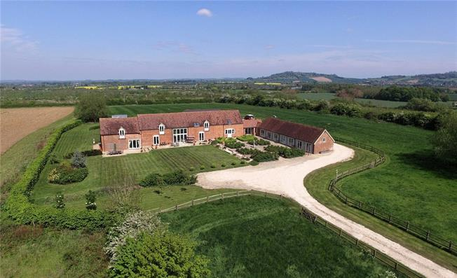 Guide Price £1,650,000, 6 Bedroom House For Sale in Evesham, Worcestershire, WR11