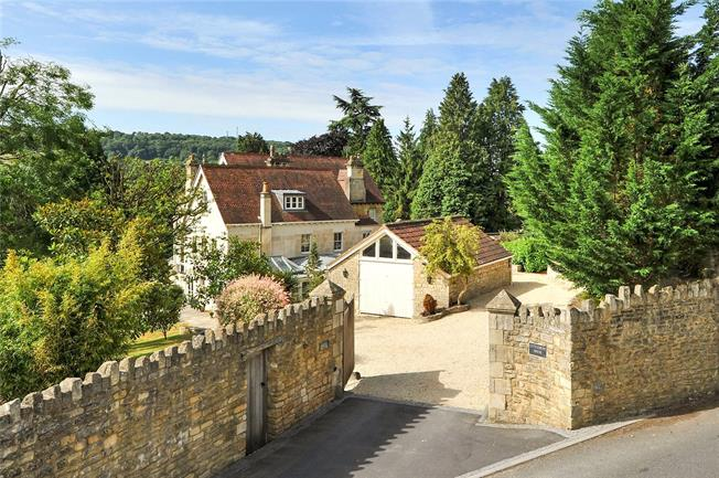 Guide Price £1,395,000, 5 Bedroom Semi Detached House For Sale in Bath, BA1