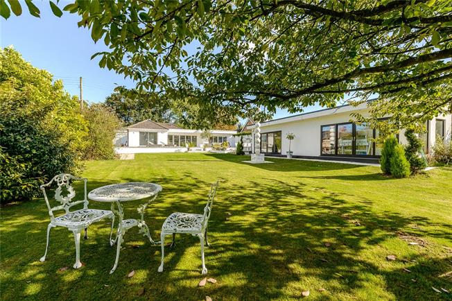 Guide Price £995,000, 4 Bedroom Bungalow For Sale in Shurdington, GL51