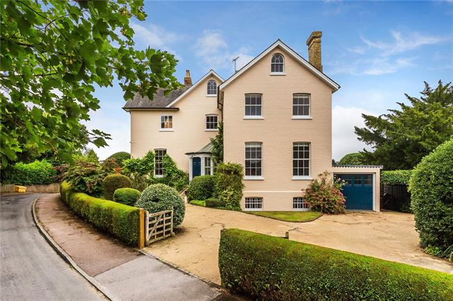 Asking Price £1,795,000, 6 Bedroom Detached House For Sale in Bidborough, TN3
