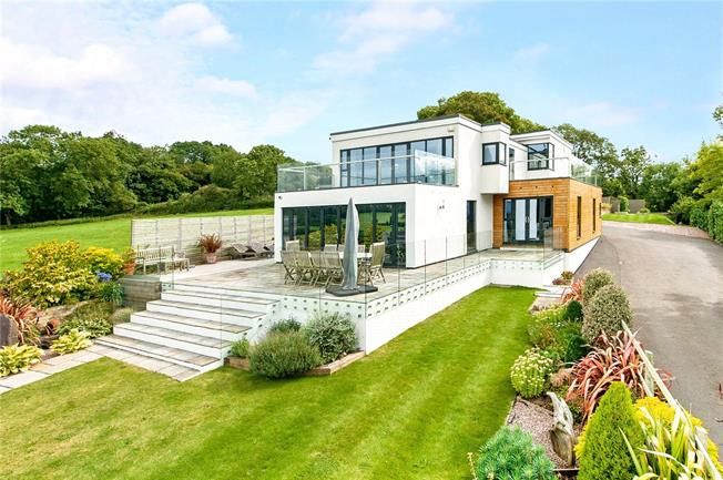 Guide Price £1,495,000, 4 Bedroom Detached House For Sale in Clevedon, BS21