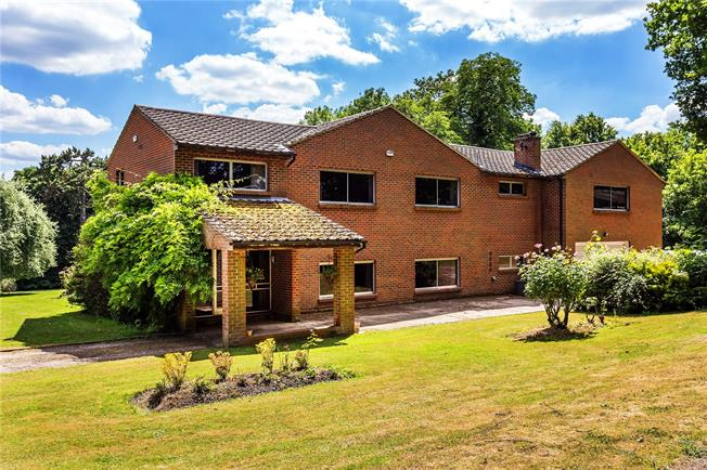 Guide Price £2,600,000, Detached House For Sale in Surrey, RH9