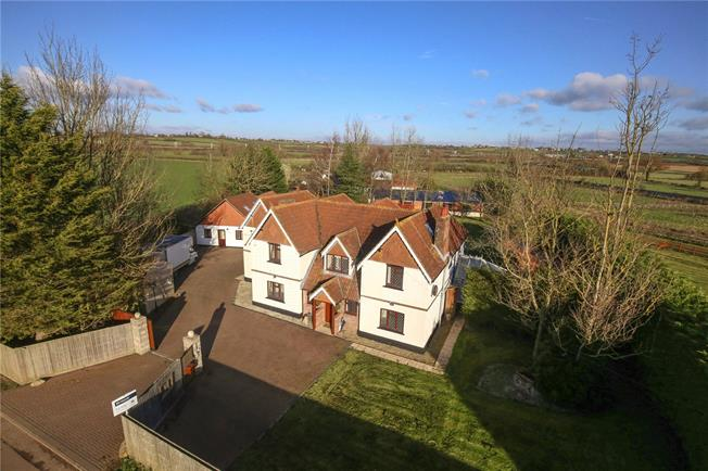 Guide Price £1,250,000, 5 Bedroom Detached House For Sale in Grittenham, SN15