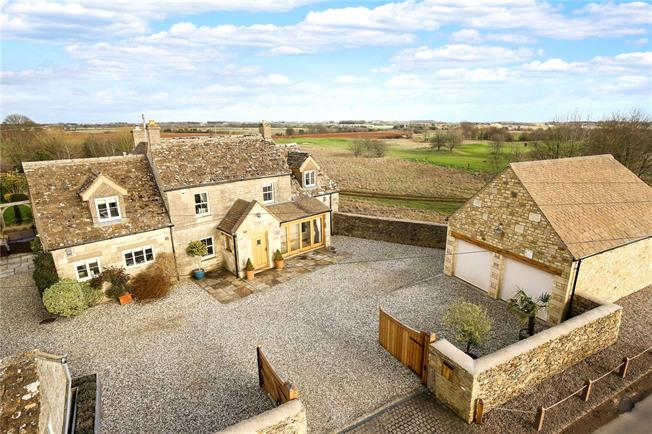 Asking Price £1,100,000, 4 Bedroom Detached House For Sale in Minchinhampton, GL6