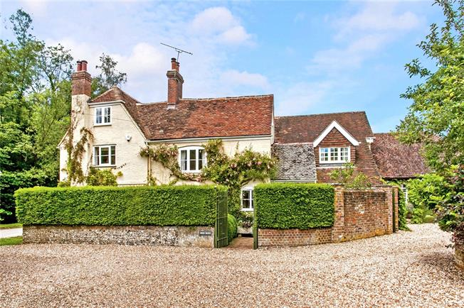 Guide Price £1,500,000, 5 Bedroom Detached House For Sale in Warnford, SO32