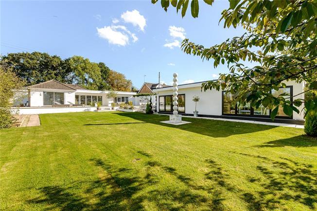 Guide Price £895,000, 4 Bedroom Bungalow For Sale in Shurdington, GL51