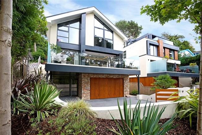 Guide Price £1,595,000, 5 Bedroom Detached House For Sale in Poole, Dorset, BH13