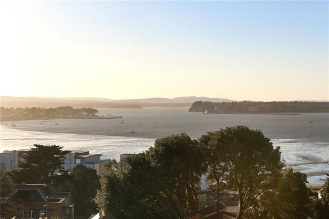 Guide Price £2,600,000, 3 Bedroom Flat For Sale in Canford Cliffs, Poole, Do, BH13