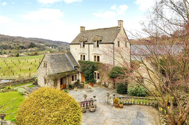 Offers in excess of £1,150,000, 4 Bedroom Detached House For Sale in Stroud, GL6