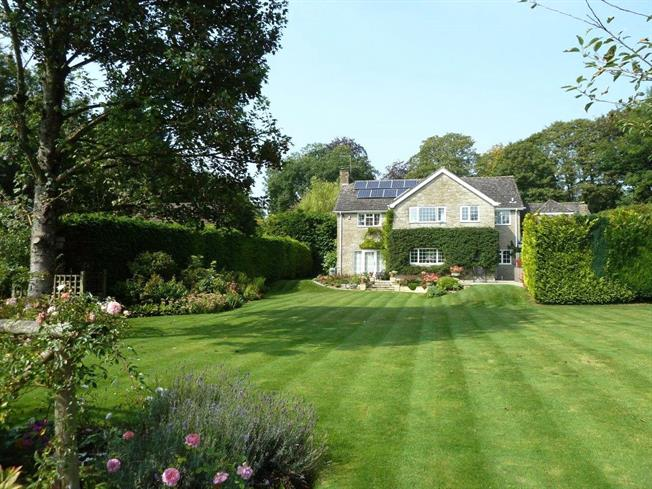 Guide Price £1,250,000, 5 Bedroom Detached House For Sale in Salisbury, Wiltshire, SP3