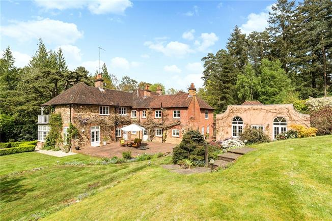 Guide Price £2,250,000, 5 Bedroom Detached House For Sale in Farnham, Surrey, GU10
