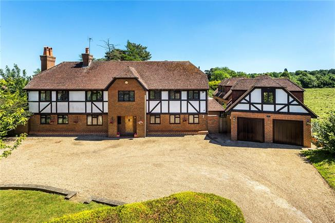 Guide Price £1,995,000, 6 Bedroom Detached House For Sale in Sevenoaks, TN13