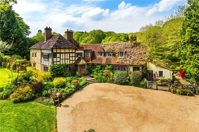 Guide Price £2,000,000, 6 Bedroom Detached House For Sale in Hammerwood, RH19