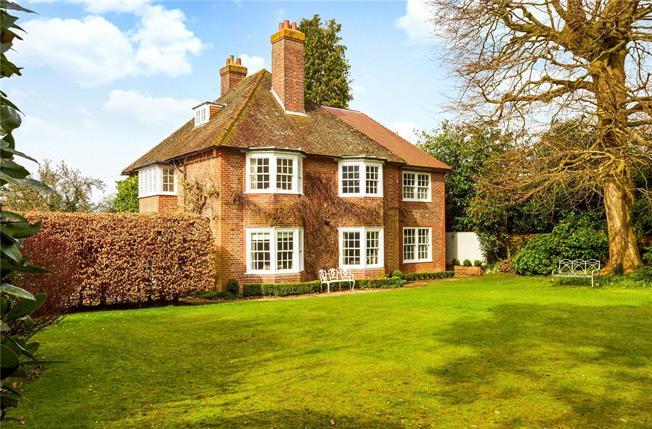 Asking Price £1,850,000, 5 Bedroom Detached House For Sale in Tunbridge Wells, Kent, TN3