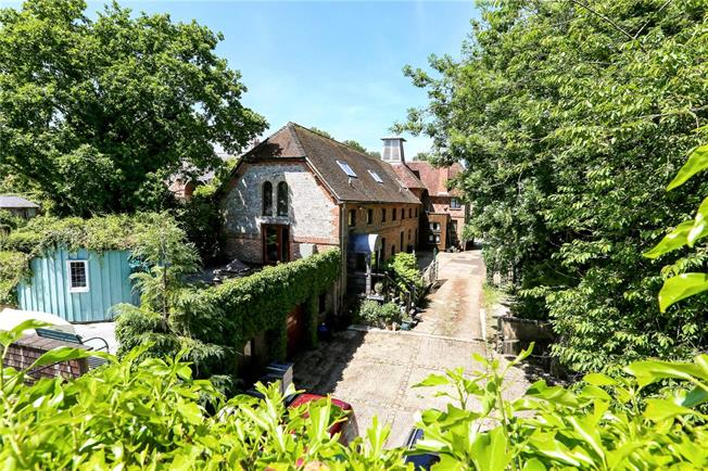 Guide Price £1,000,000, 4 Bedroom Detached House For Sale in Marlborough, Wiltshire, SN8