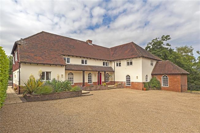 Guide Price £2,150,000, 7 Bedroom Detached House For Sale in Farnham, GU10