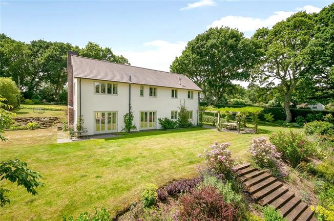 Guide Price £1,195,000, 4 Bedroom Detached House For Sale in Frogham, SP6