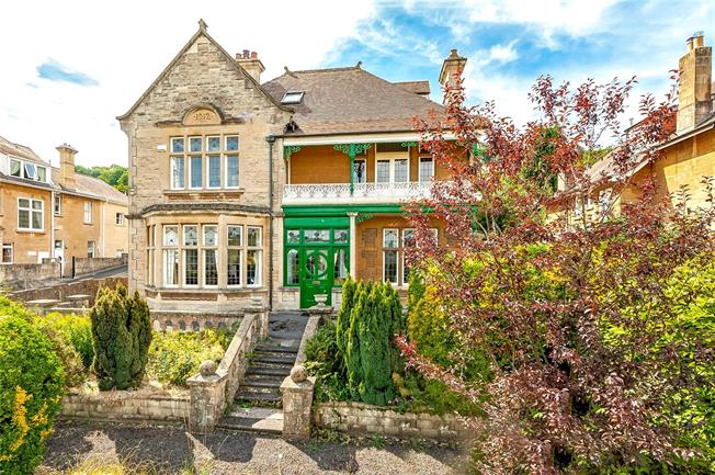 Guide Price £1,150,000, 7 Bedroom Detached House For Sale in Bath, BA2