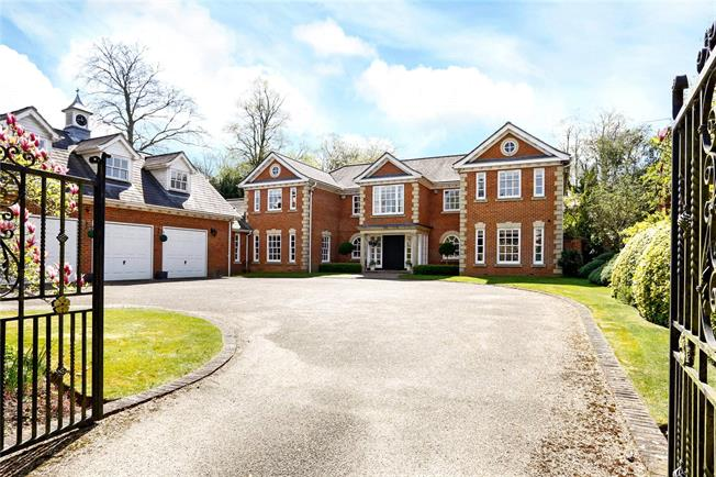 Guide Price £3,500,000, 6 Bedroom Detached House For Sale in Beaconsfield, HP9