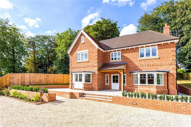 Guide Price £1,300,000, 5 Bedroom Detached House For Sale in Wiltshire, SN8