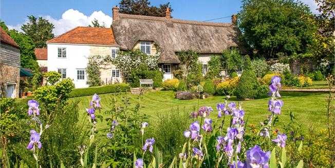 Guide Price £950,000, 4 Bedroom Detached House For Sale in Stour Provost, SP8