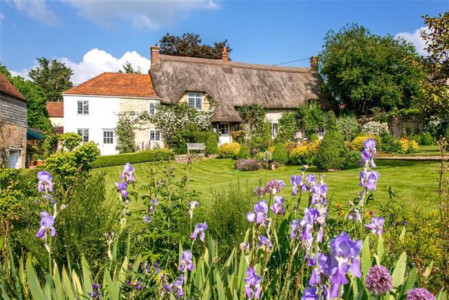 Guide Price £950,000, 4 Bedroom Detached House For Sale in Gillingham, Dorset, SP8