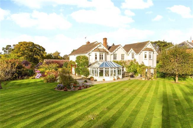 Guide Price £1,595,000, 5 Bedroom Detached House For Sale in Tunbridge Wells, East Sus, TN3