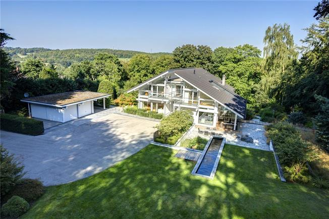 Guide Price £3,600,000, 6 Bedroom Detached House For Sale in Little Kingshill, HP16