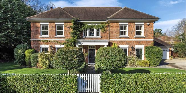 Guide Price £1,700,000, 6 Bedroom Detached House For Sale in Kenley, CR8