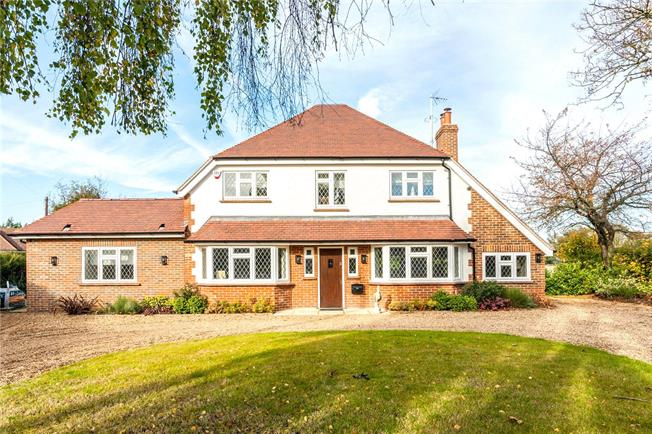 Asking Price £1,500,000, 5 Bedroom Detached House For Sale in Banstead, SM7
