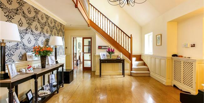 Asking Price £1,795,000, 5 Bedroom Detached House For Sale in Finchampstead, RG40