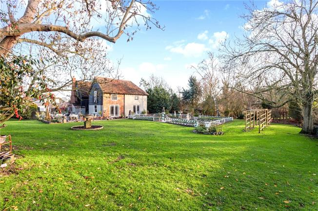 Guide Price £2,000,000, 5 Bedroom Detached House For Sale in Albury, SG11