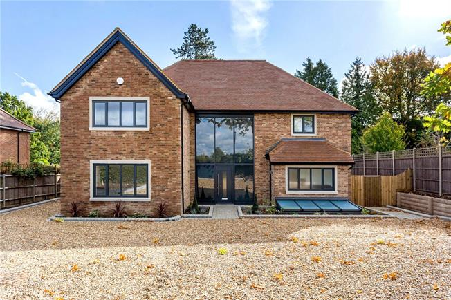 Asking Price £2,350,000, 5 Bedroom Detached House For Sale in Hertfordshire, AL5