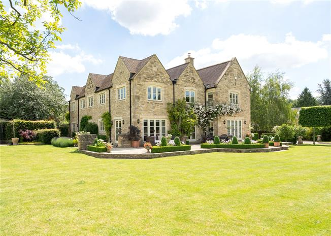 Guide Price £2,950,000, 5 Bedroom Detached House For Sale in Cheltenham, GL54